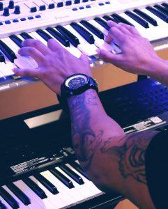 Cours de piano clavier à domicile